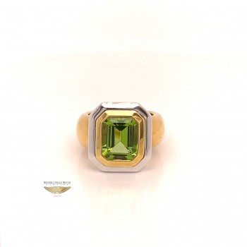 Naira & C Peridot 4.01ct Yellow Gold Ring 7316 - Beverly Hills Jewelry Store