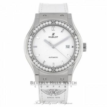 Hublot Classic Fusion Automatic Titanium 42mm 542.NE.2010.LR.1204 PHVURM - Beverly Hills Watch Company